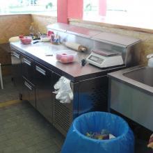 Pizza desk, saladette #604269335
